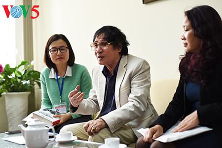 """el periodista tran mai hanh y el exito de su libro """"acta de guerra 1-2-3-4.75"""" hinh 9"""