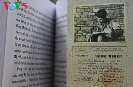 """el periodista tran mai hanh y el exito de su libro """"acta de guerra 1-2-3-4.75"""" hinh 2"""