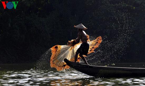 tari kehidupan di sungai nhu y hinh 3