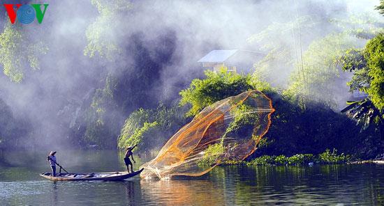 tari kehidupan di sungai nhu y hinh 6