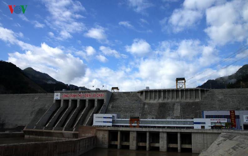 meresmikan pabrik hydro listrik lai chau hinh 8