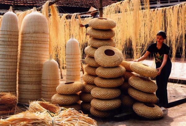 memperkenalkan sepintas lintas tentang kerajinan tangan tradisional di vietnam  hinh 0