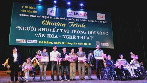 为越南残疾人融入社会作出努力 hinh 1