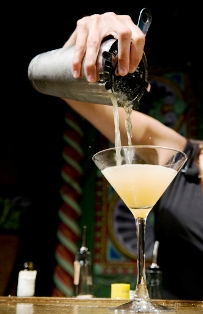 Bartending – a new start up job for Vietnamese youngsters