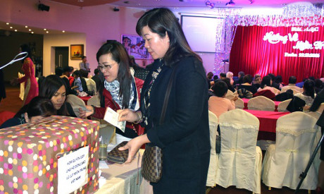 Vietnamese people in Czech Republic support flood victims