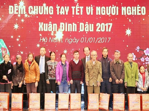 funds raised to support poor people ahead lunar new year hinh 0