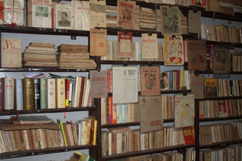 ta thu phong's collection of vintage books and magazines  hinh 1