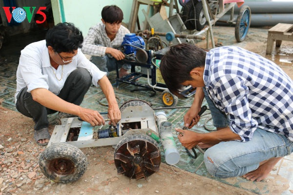 nguyen hoang nam and inventions for farmers hinh 0