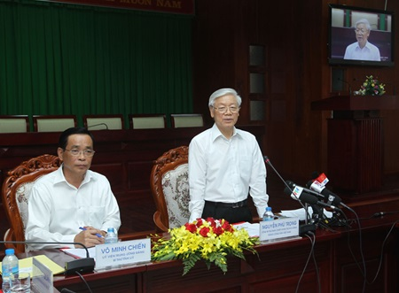 Party chief works with Soc Trang province leaders