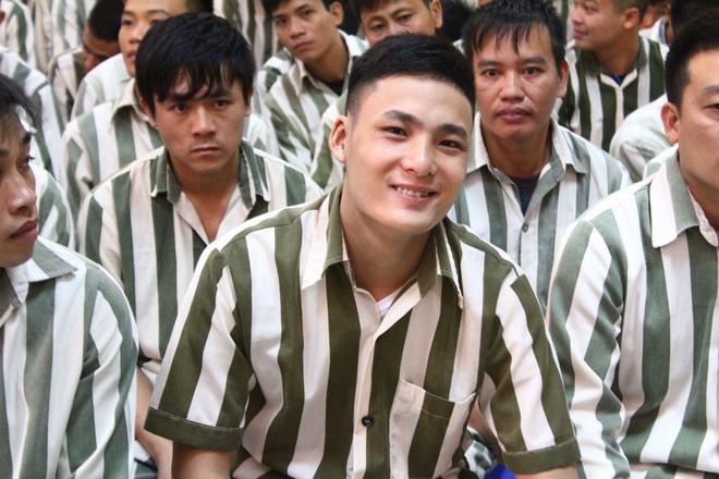 моб срв предлагает сократить срок тюремного наказания по случаю дня независимости страны hinh 0