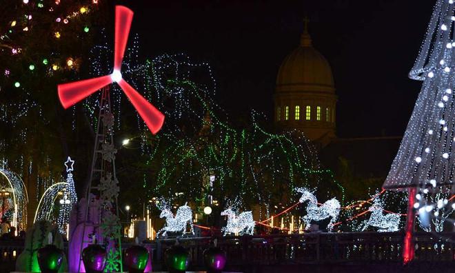 บรรยากาศฉลองเทศกาลครสตมาสในกรงฮานอย hinh 14