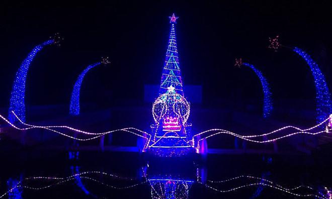 บรรยากาศฉลองเทศกาลครสตมาสในกรงฮานอย hinh 15