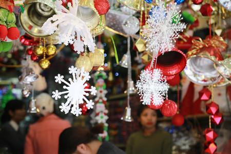 บรรยากาศฉลองเทศกาลครสตมาสในกรงฮานอย hinh 0