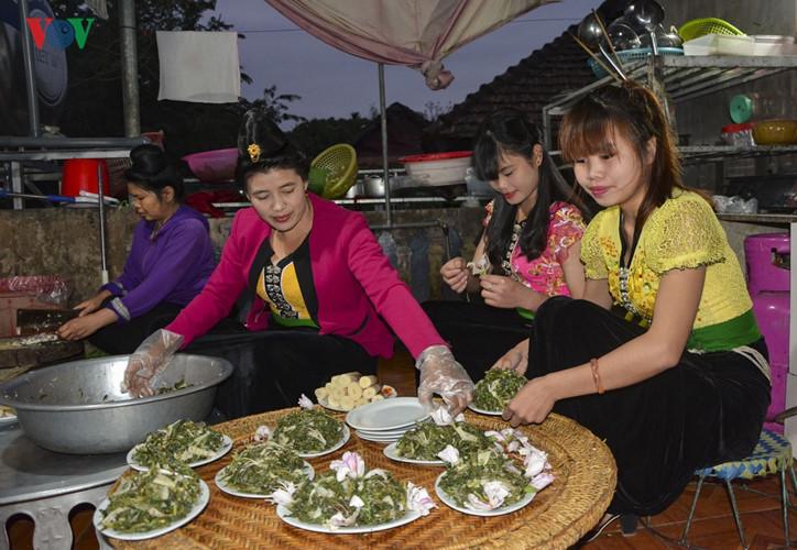 เทศกาลดอกกาหลงเดยนเบยน2017 ศนยรวมวฒนธรรมชนเผาในเขตเขาตอนบน hinh 2