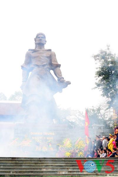 праздник на холме донгда – воспроизведение борьбы против иноземных захватчиков hinh 0