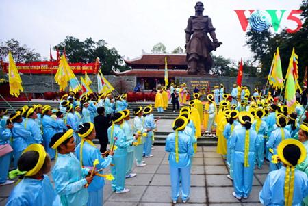праздник на холме донгда – воспроизведение борьбы против иноземных захватчиков hinh 4