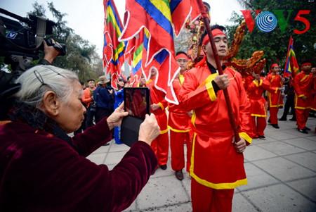 праздник на холме донгда – воспроизведение борьбы против иноземных захватчиков hinh 8
