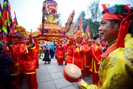 праздник на холме донгда – воспроизведение борьбы против иноземных захватчиков hinh 9