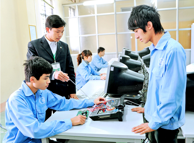 Vietnam aims at developing high-quality human resources