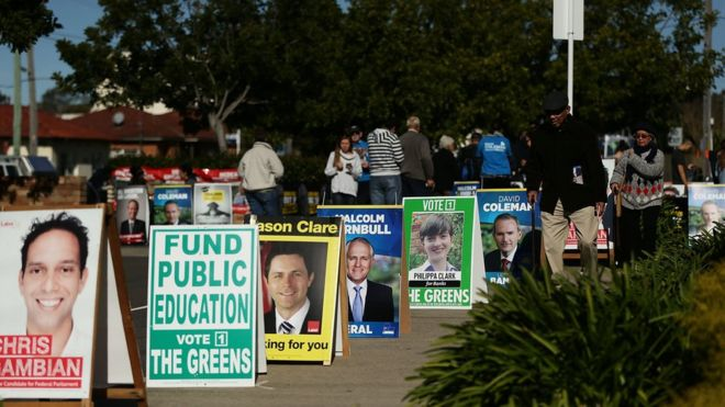 Australia's 2 major parties begin negotiations on forming government