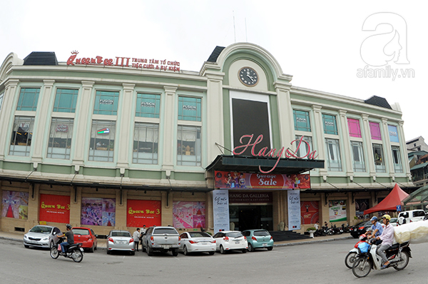 foreigners experience hanoi's life and culture hinh 0