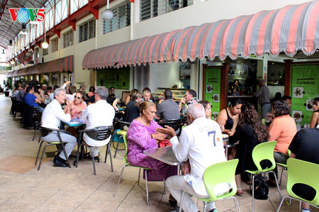 """""""Snack Centralma""""- a Vietnamese restaurant in New Caledonia Saturday Report"""