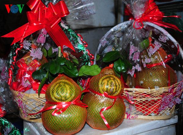 la ofrenda de frutas en los dias del tet vietnamita  hinh 1