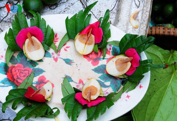la ofrenda de frutas en los dias del tet vietnamita  hinh 2