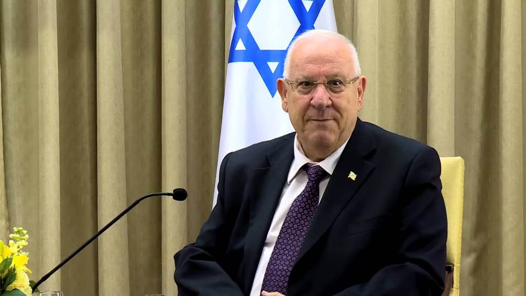 premierminister nguyen xuan phuc empfangt israelischen prasident reuven ruvi rivlin hinh 0