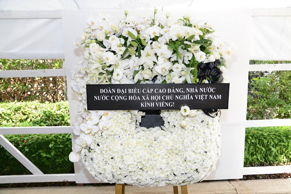 คณะผแทนระดบสงเวยดนามเขาถวายสกการะพระบรมศพพระบาทสมเดจพระปรมนทรมหาภมพลอดลยเดช hinh 1
