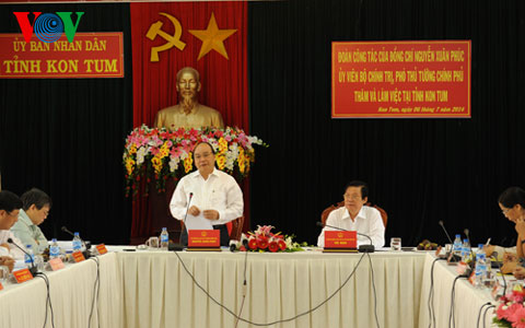 Deputy Prime Minister Nguyen Xuan Phuc visits Kon Tum province