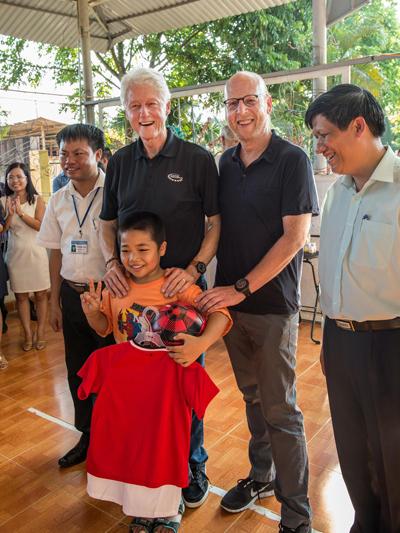 Bill Clinton's return to Vietnam