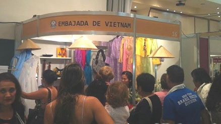 vietnam handicrafts showcased at mercosur craft fair hinh 0