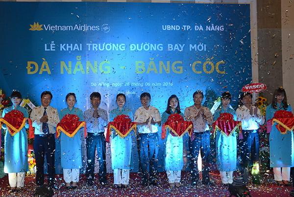 «вьетнам эрлаинз» открыла новыи реис по маршруту «дананг-бангкок»  hinh 0