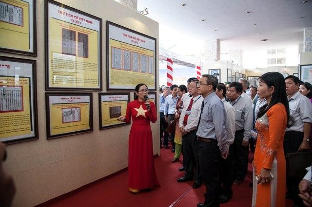 выставка «вьетнамские архипелаги хоангша и чыонгша: юридические доказательства» hinh 0