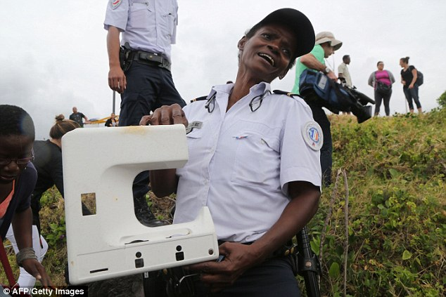 Possible MH370 debris found on Reunion Island