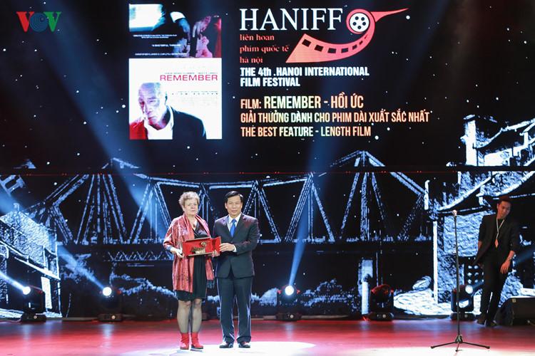 spectaclular closing ceremony of hanoi international film festival  hinh 10