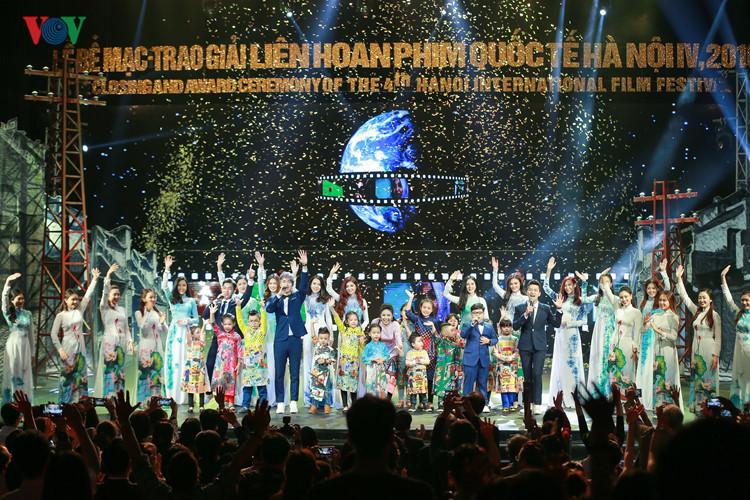 spectaclular closing ceremony of hanoi international film festival  hinh 11