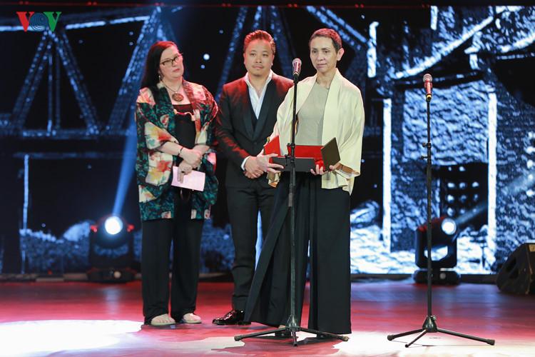 spectaclular closing ceremony of hanoi international film festival  hinh 3