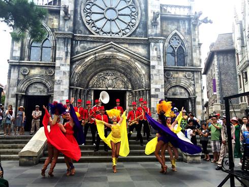 летние фестивали на холмах бана 2016 hinh 6