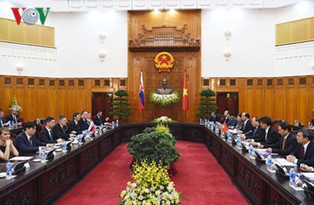 вьетнам и словакия активизируют двустороннее сотрудничество hinh 1