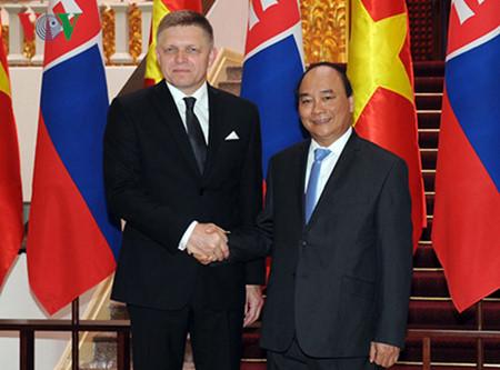 вьетнам и словакия активизируют двустороннее сотрудничество hinh 0