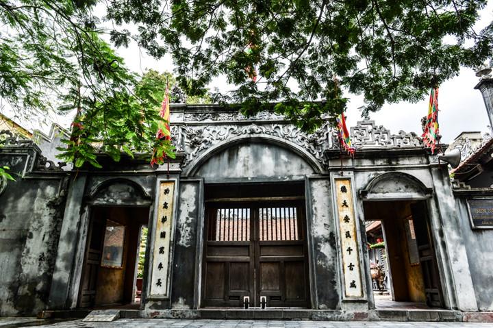 посещение храма нге, где поклоняются женщине-генералу ле тян hinh 0