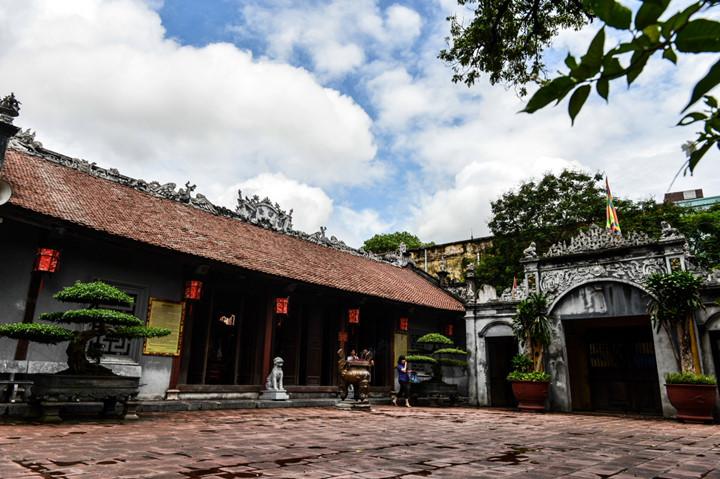 посещение храма нге, где поклоняются женщине-генералу ле тян hinh 1