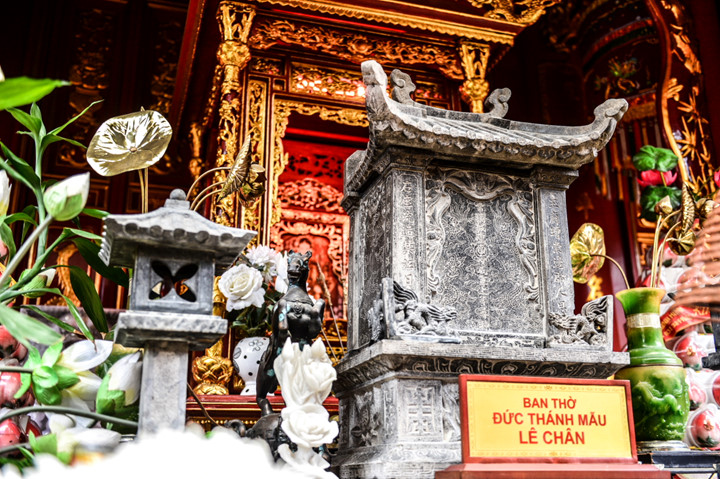 посещение храма нге, где поклоняются женщине-генералу ле тян hinh 2