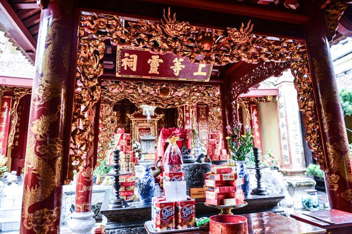 посещение храма нге, где поклоняются женщине-генералу ле тян hinh 3