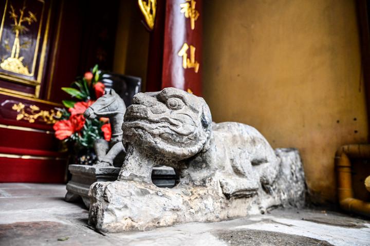 посещение храма нге, где поклоняются женщине-генералу ле тян hinh 7