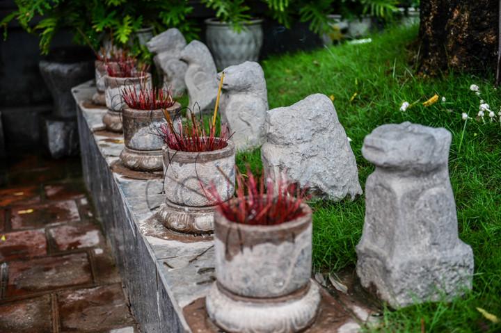 посещение храма нге, где поклоняются женщине-генералу ле тян hinh 8