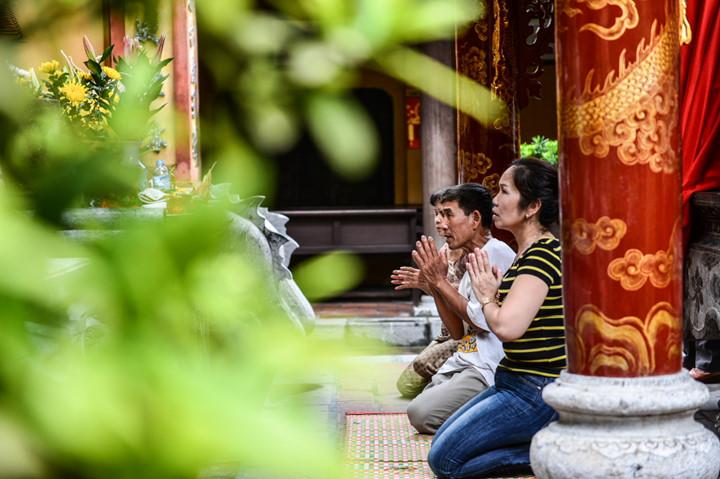 посещение храма нге, где поклоняются женщине-генералу ле тян hinh 11