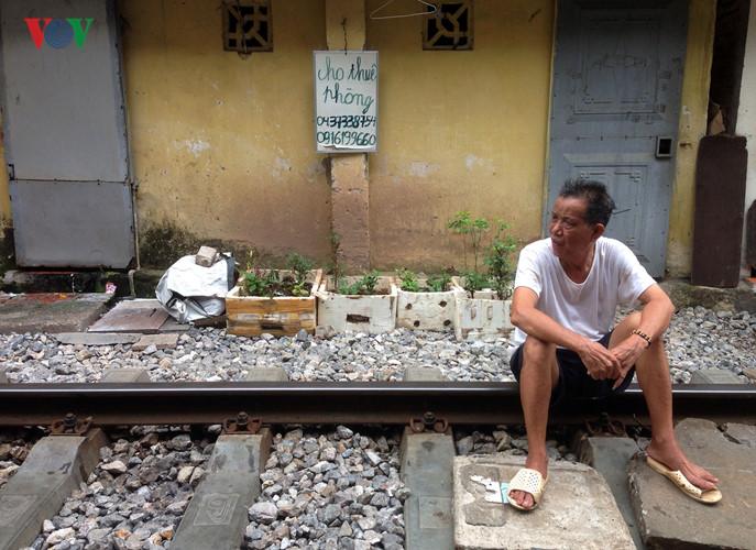 жизнь населения вблизи железнои дороги в ханое hinh 10